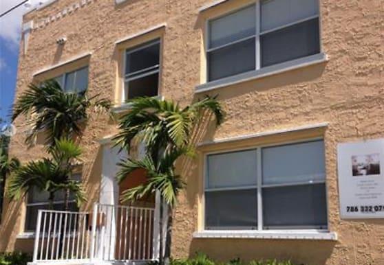 953 SW 10th St, Miami, FL