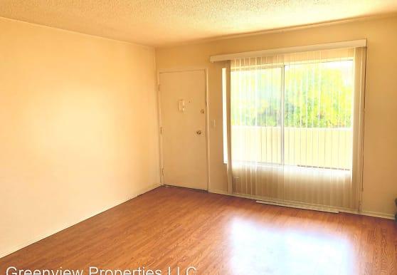 2102 W 157th St, Gardena, CA
