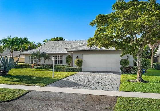 4572 White Cedar Ln, Delray Beach, FL
