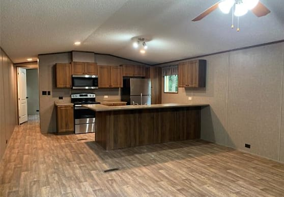 1704 Coral Rd, Azle, TX