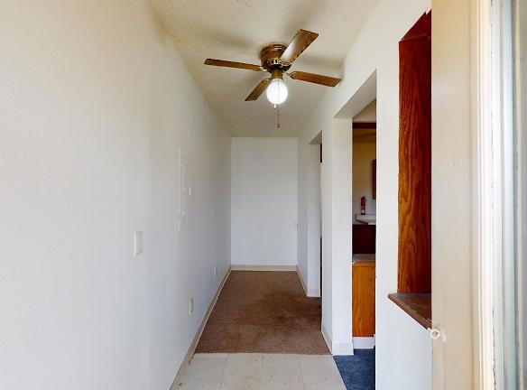 616-Park-Ave-Unit-4-Entry.jpg
