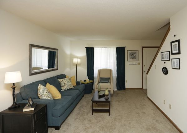 Welcome Home to Villa West Apartment Homes!