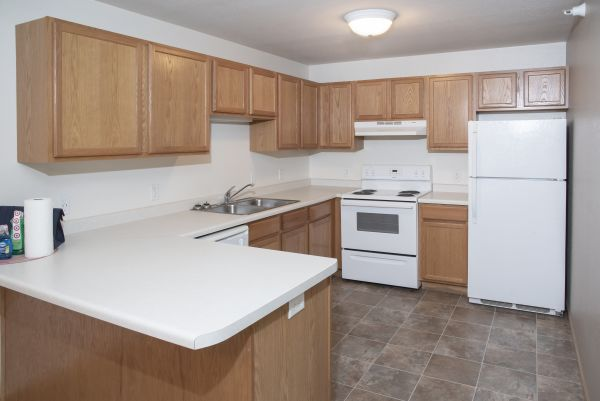 Large Kitchen Cabinets & Laminate Countertops