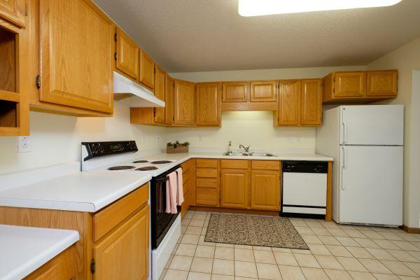 Pinehurst Apartments - 2 Bedroom Plan I - Kitchen - Dining
