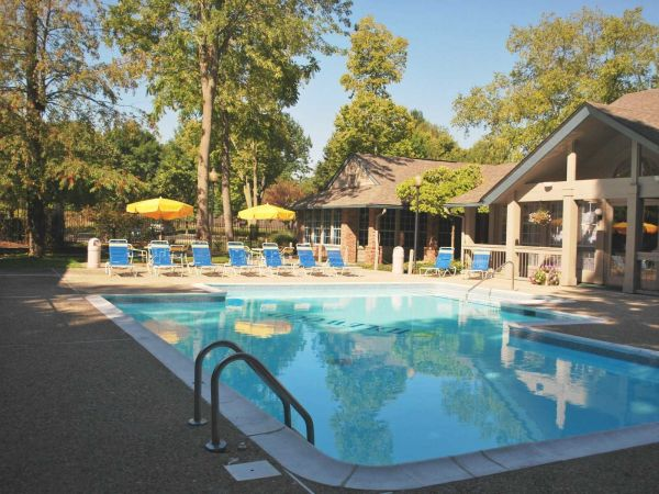 Have a relaxing day at the sparkling pool