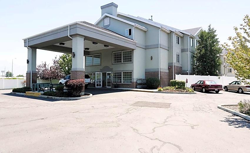Compass Villa Senior Living Apartments
