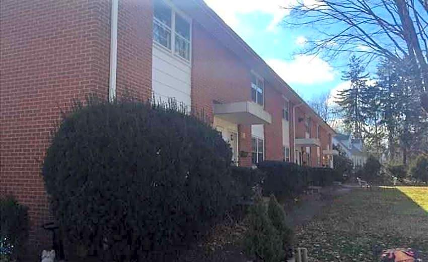 Wharton arms apartments wallingford, ct 06492.